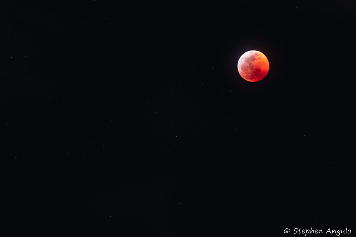 Fan Photo Blood Moon Stephen Angulo Boulder City, NV